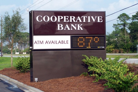 freestanding-signs-coop