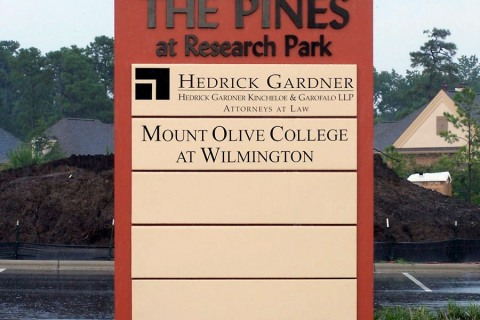 freestanding-signs-the_pines